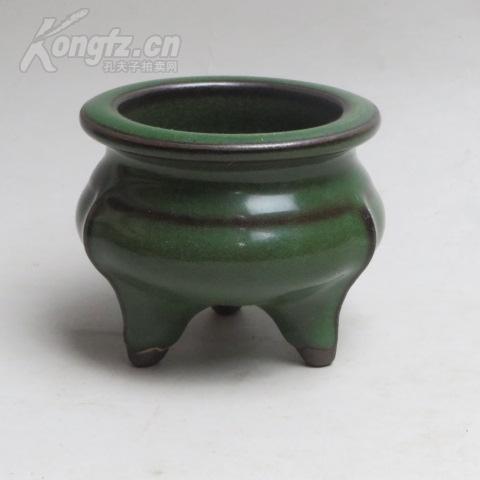 南宋龙泉窑绿釉鬲式炉