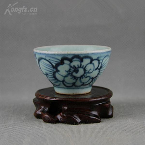 青花  牡丹紋杯