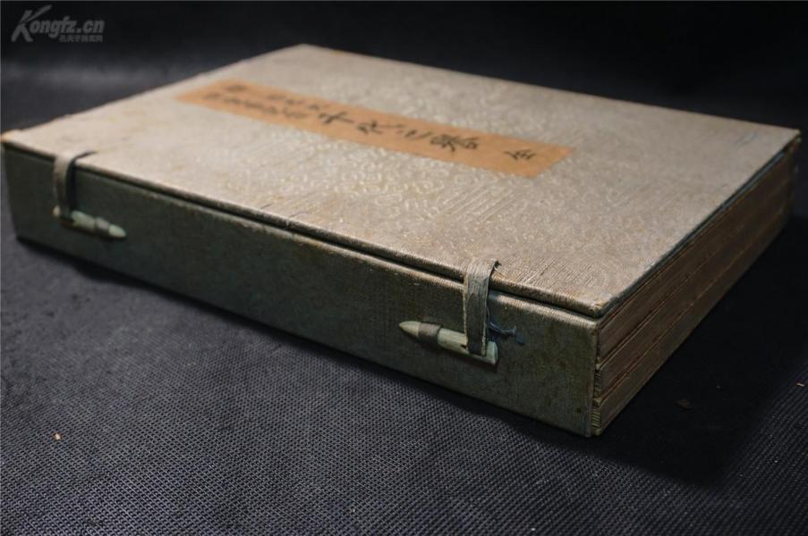 1936年【日本插花 ,盆景】《千代之譽》,原函 3冊全,品佳,原物攝影,非常精美,悅目