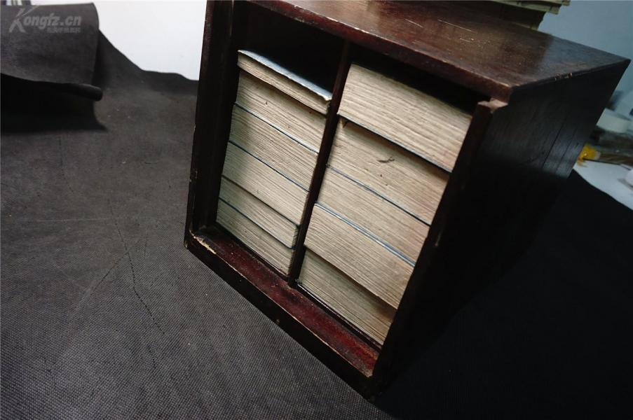 【  木箱 古佛經  10帖全】 乾隆25年,和刻本《金光明最勝王經》老佛經木箱 10帖全+1帖目錄,經折。品相佳。