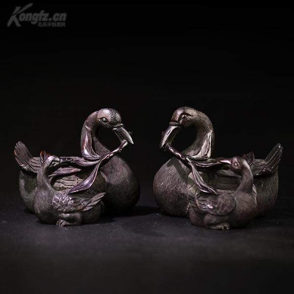 清 小叶紫檀精美雕工母子鹅一对