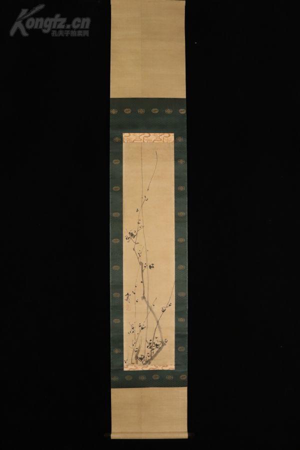 博物館收藏級精品 得到中國清代畫家 張秋谷的教益 并將西洋畫技法融入日本畫中 日本巨匠 谷文晁筆《梅之圖》絹本 原箱 原裝原裱 紫檀軸頭 全尺寸153X26.5CM 畫心76X17CM 作者簡介請瀏覽最后一張圖片